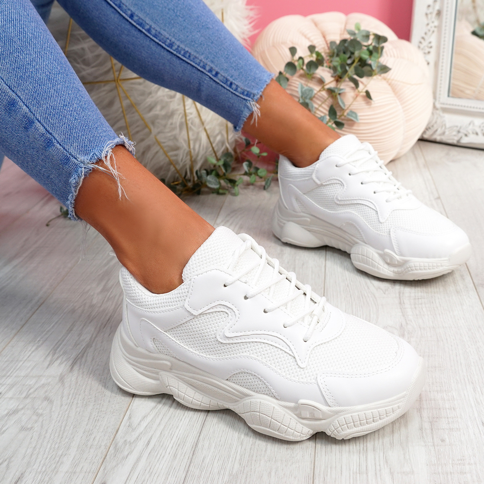 Hurra White Wide Fit Trainers