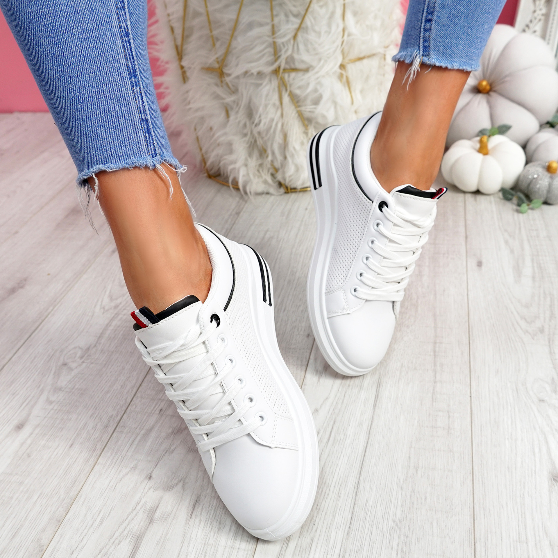 Huvy White Black Lace Up Trainers