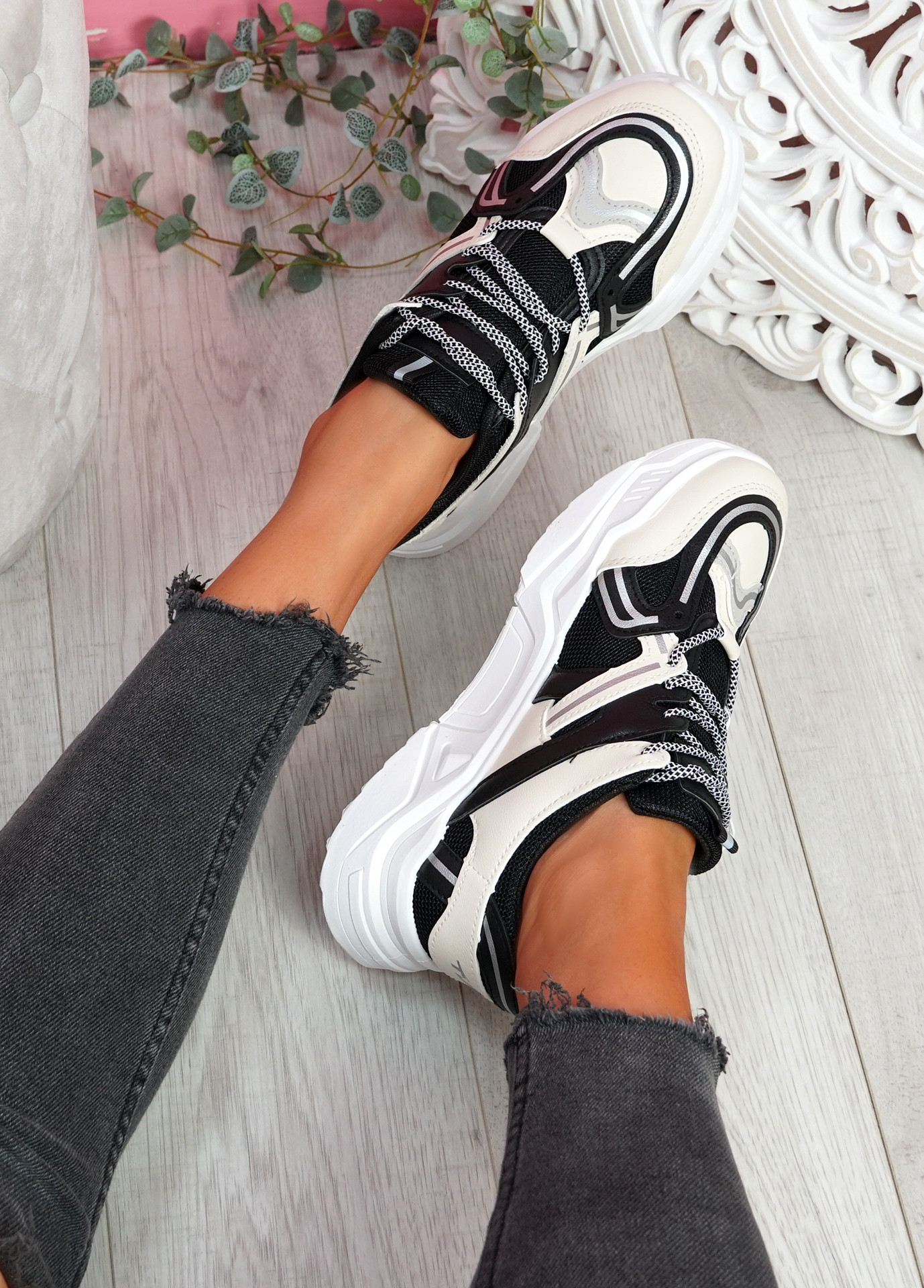 Lota Black Chunky Sneakers