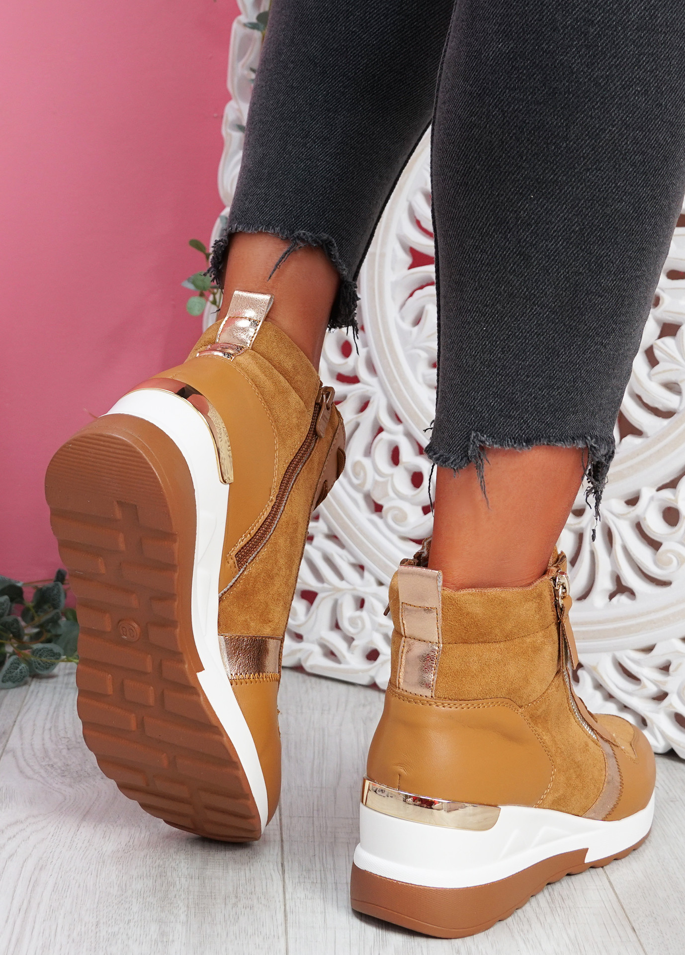 Torra Camel Wedge Trainers