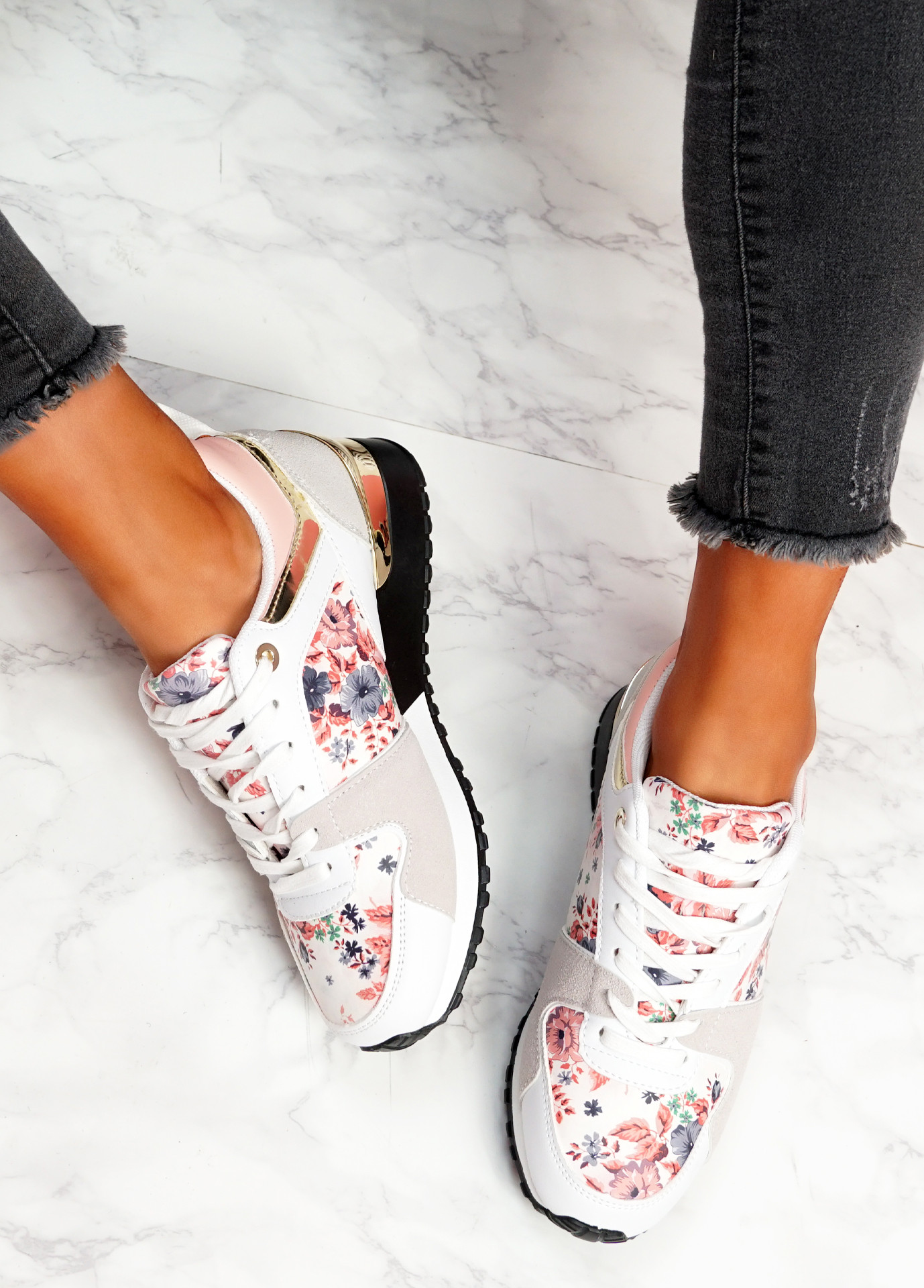 Onne White Flowers Lace Up Trainers