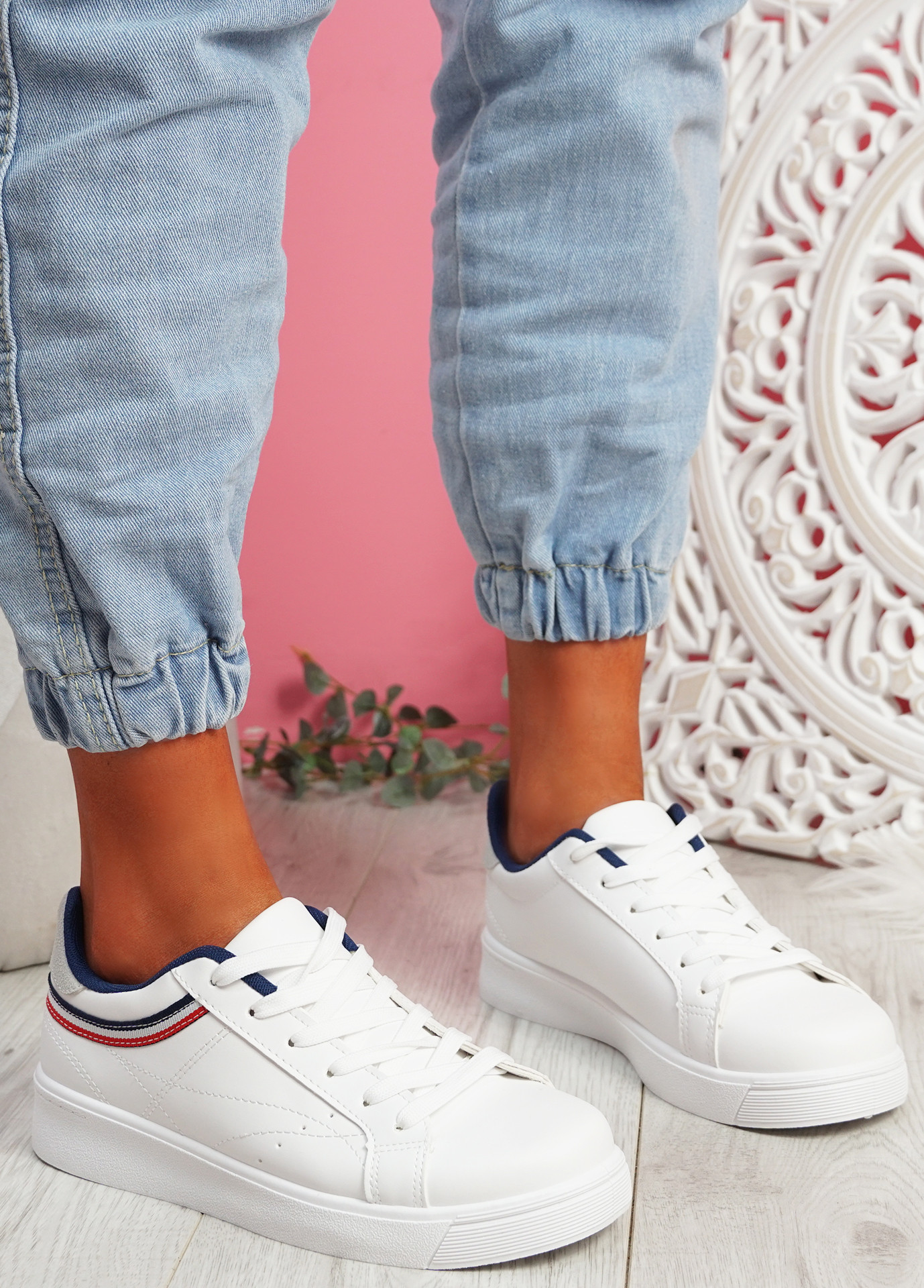 Bumy White Red Trainers