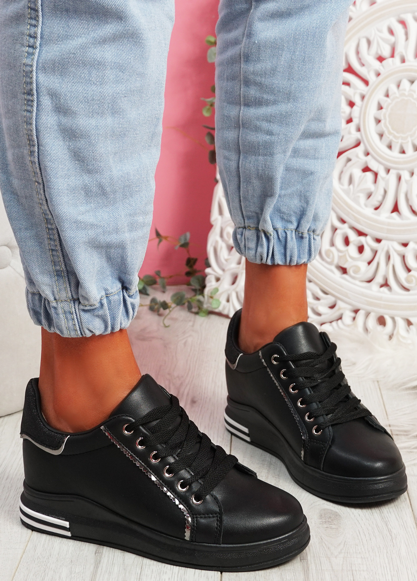 Monna All Black Glitter Trainers