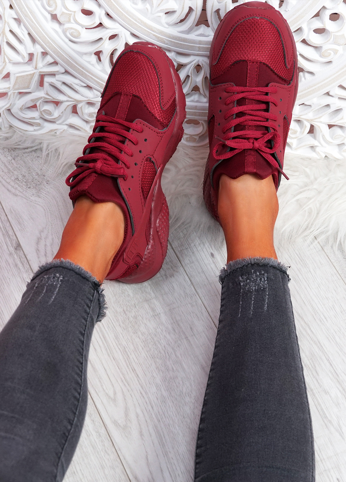 Yutty Wine Red Sport Sneakers