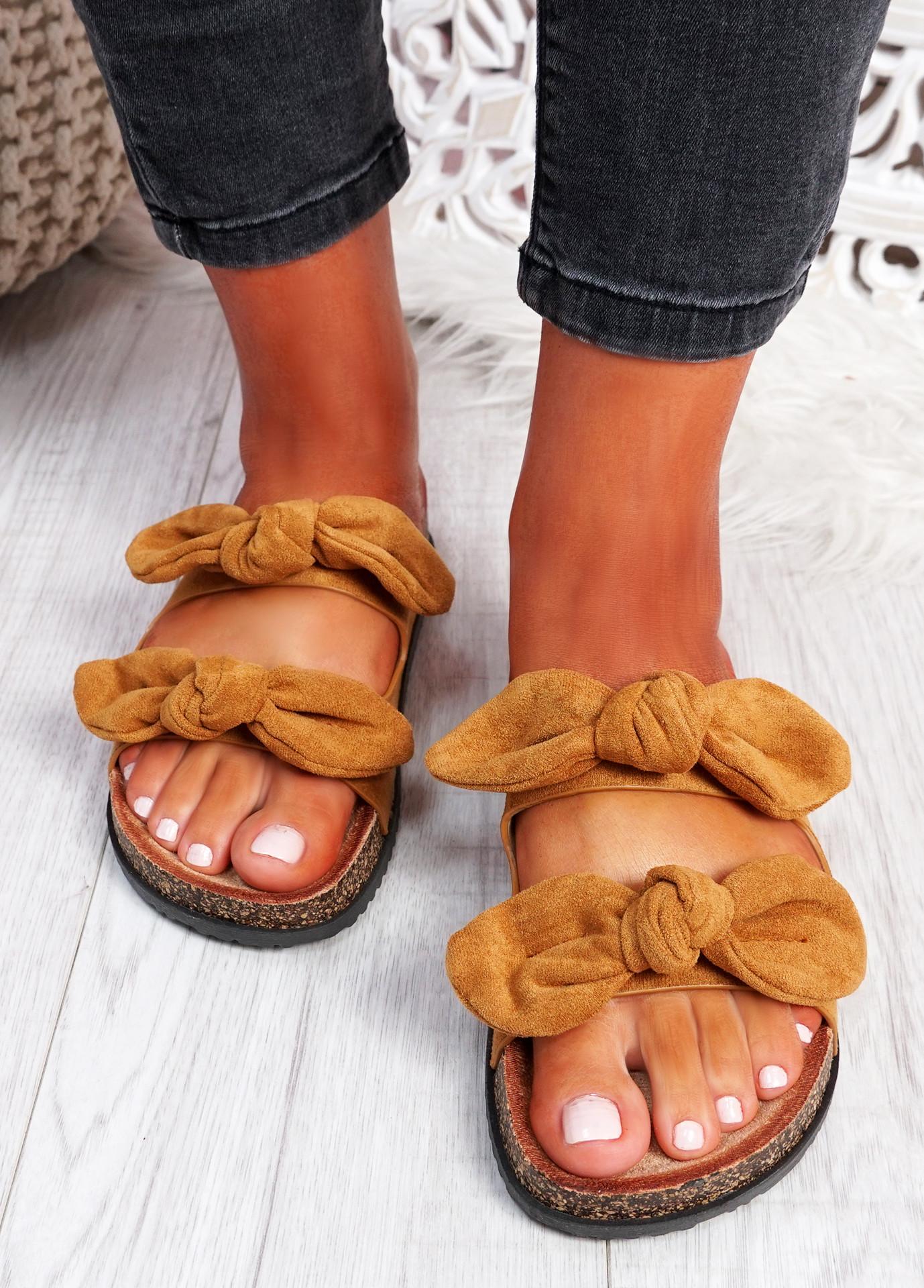 Hogy Camel Bow Flat Sandals