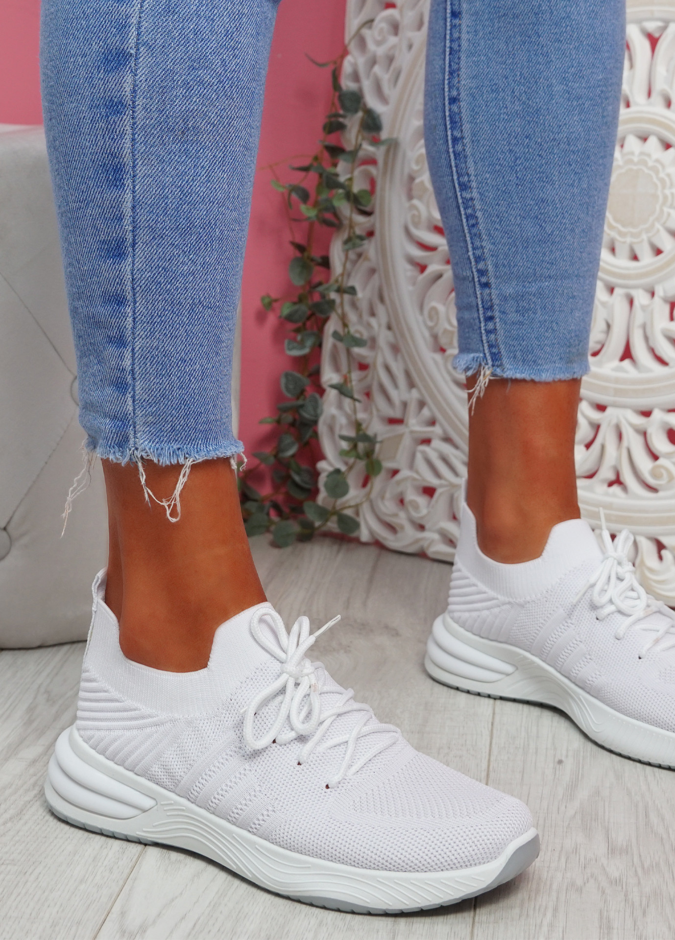 Goka White Sport Sneakers