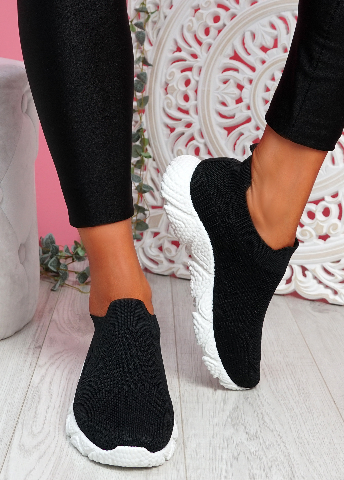 Pode Black Knit Trainers