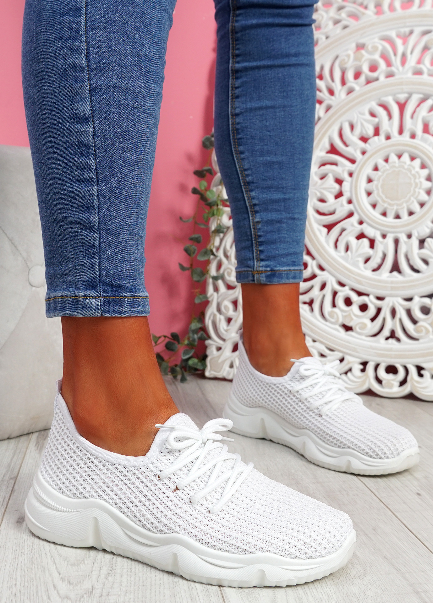 Isso White Knit Running Trainers