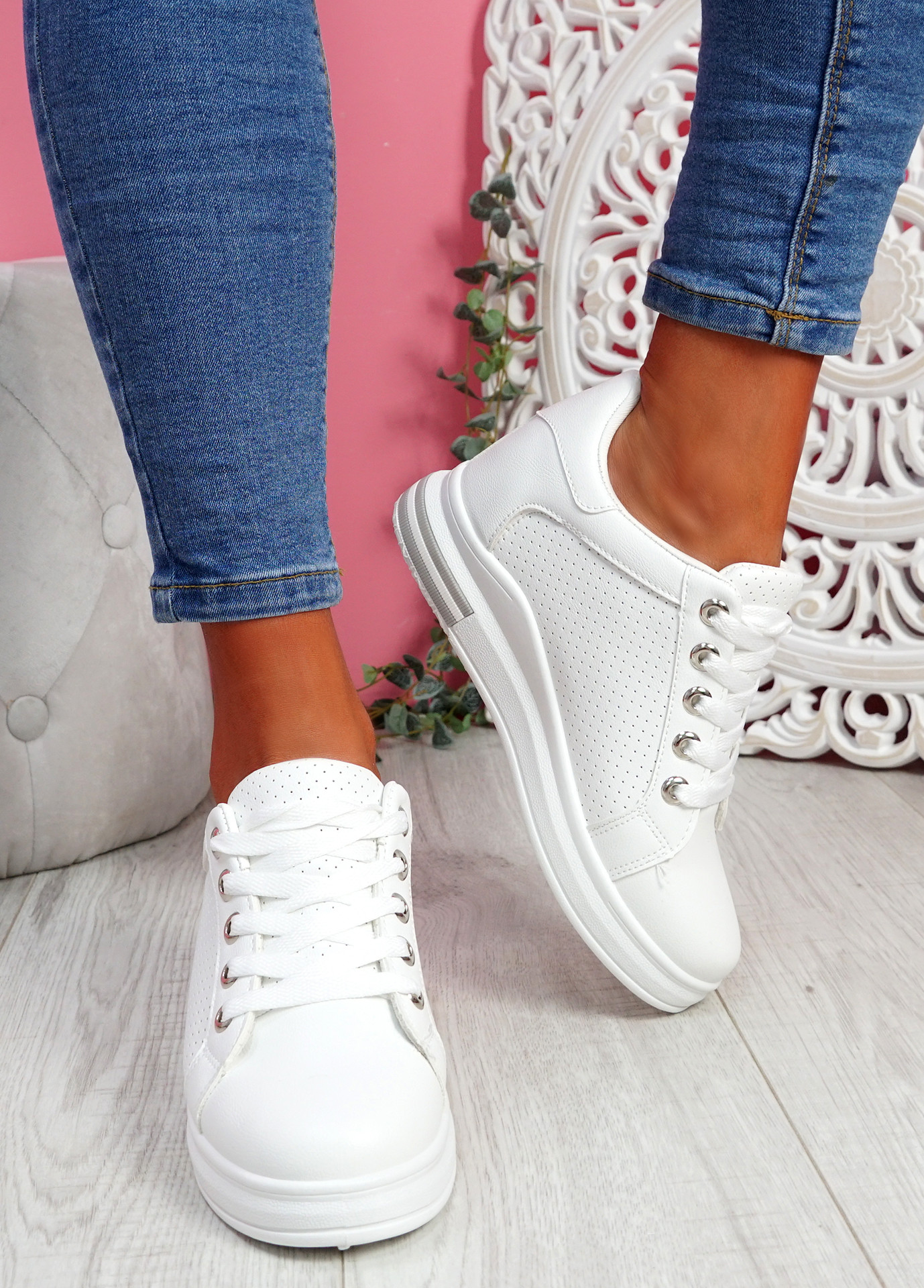 Hovy All White Trainers