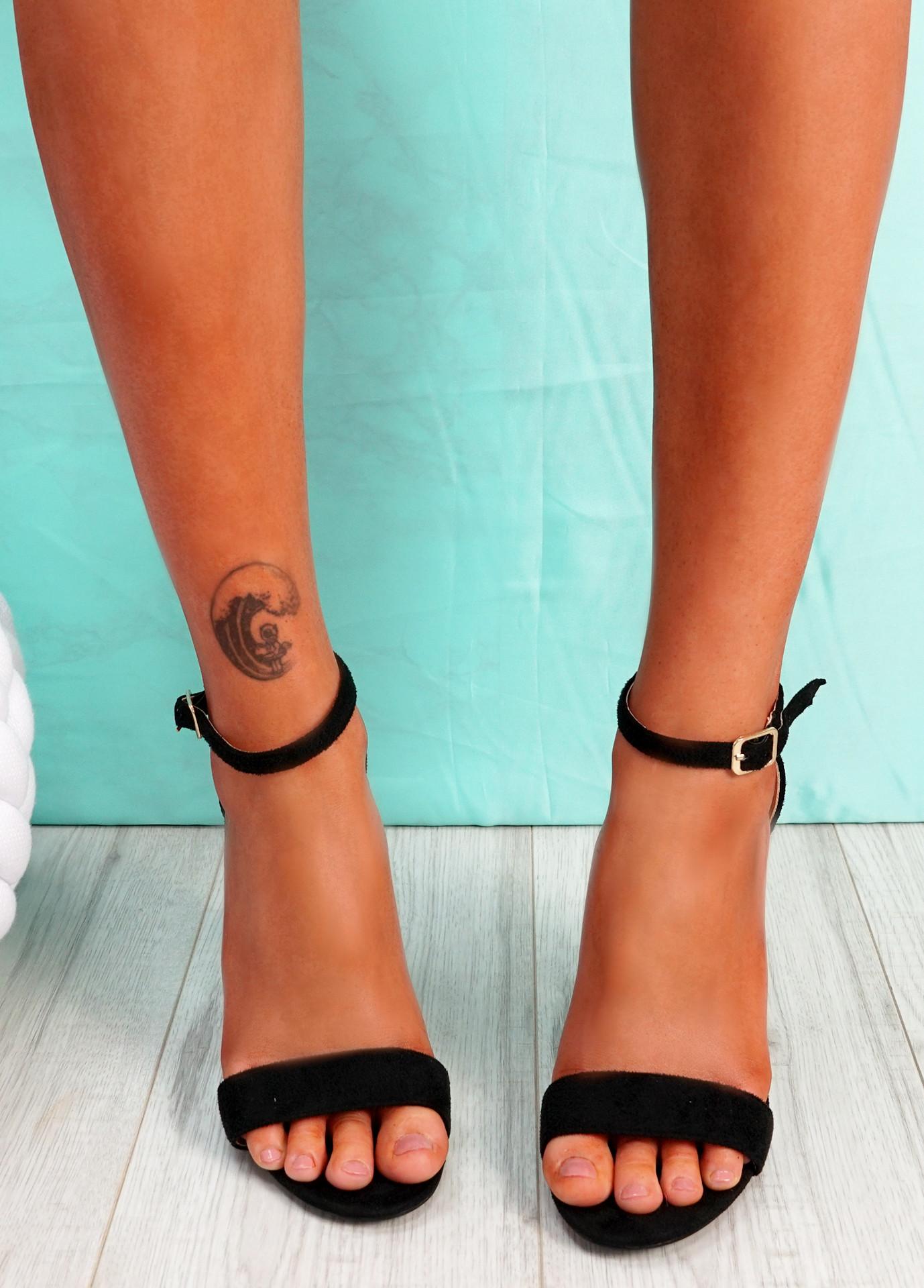 Uppo Black Multicolor Block Heel Sandals