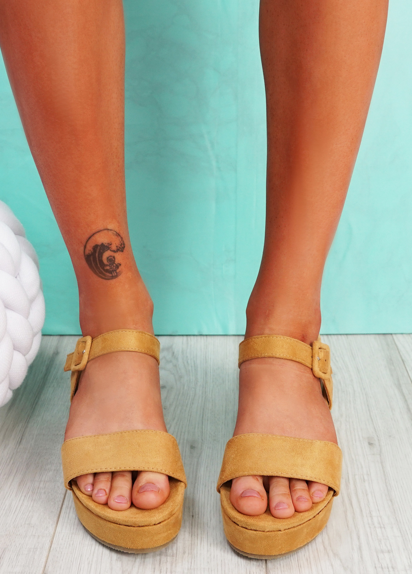 Zonno Camel Platform Sandals