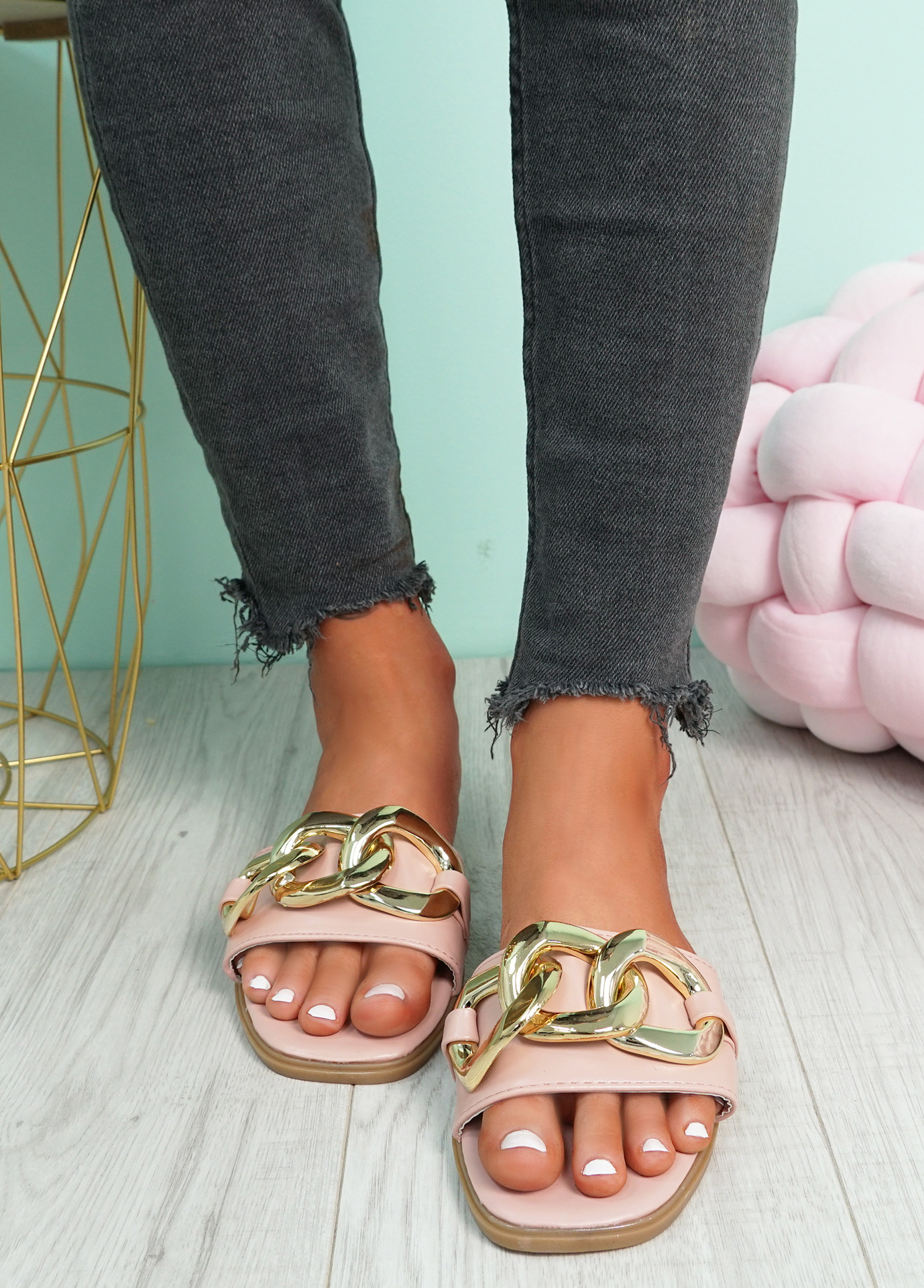 Merca Pink Front Chain Flat Sandals