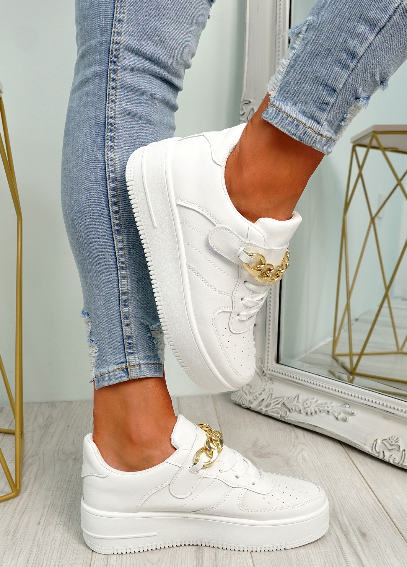 Weno White Front Chain Trainers