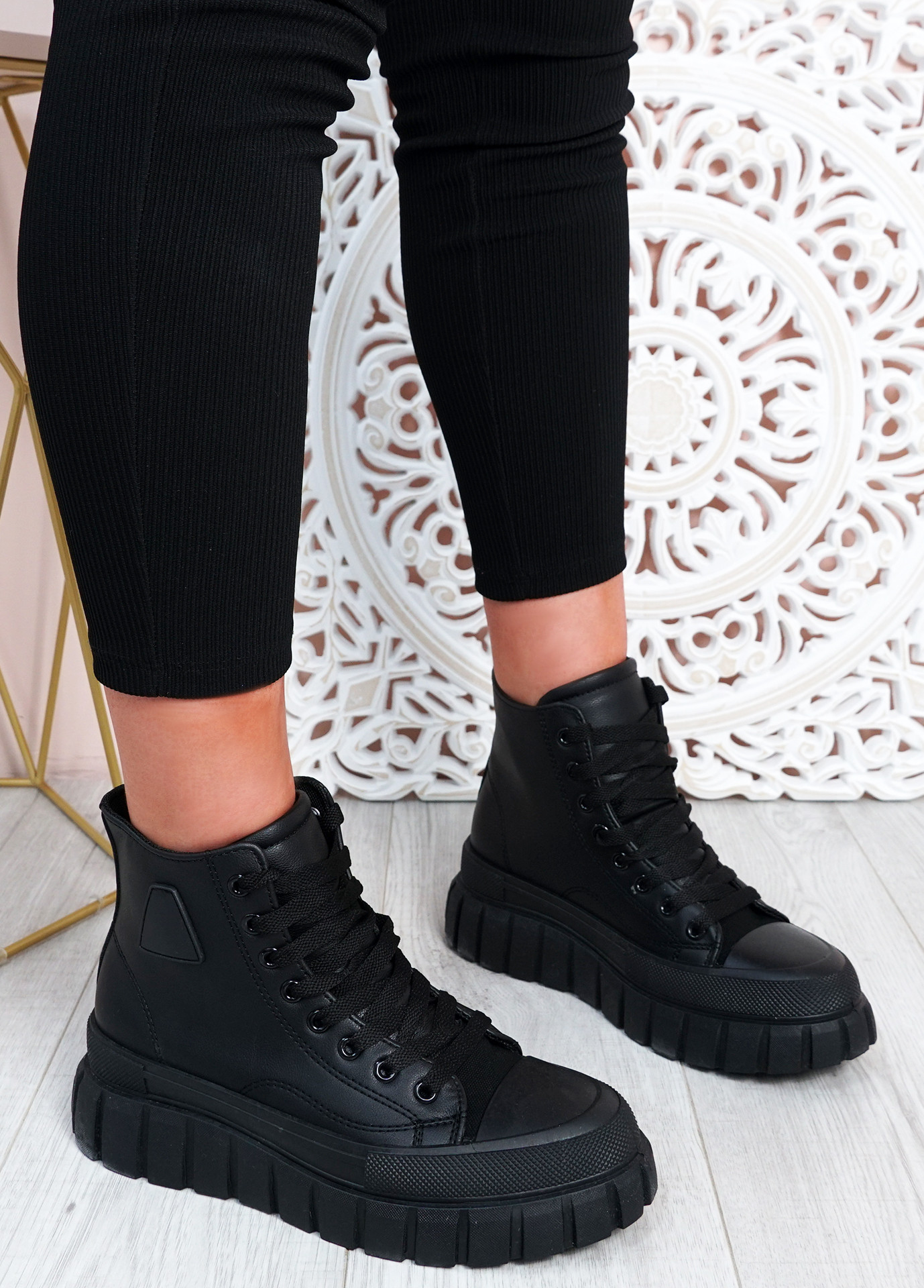 Paola Black Flatform Ankle Boots