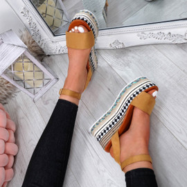 Sinka Camel Flatform Sandals
