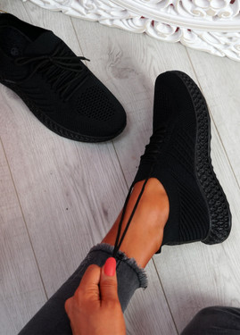 Mava All Black Knit Running Sneakers