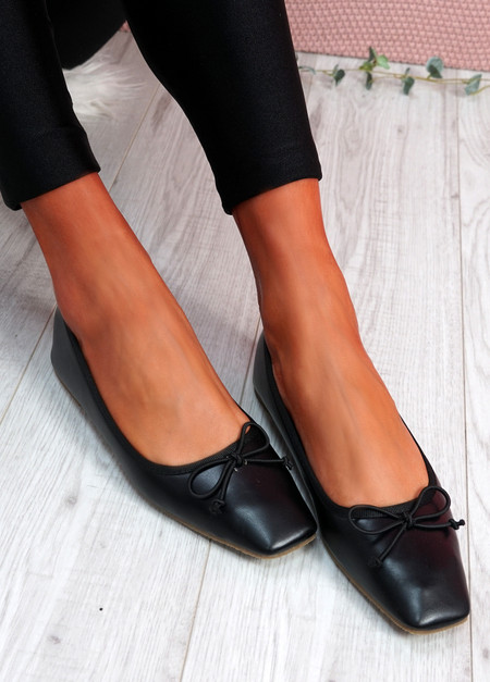 Vonno Black Square Toe Ballerinas