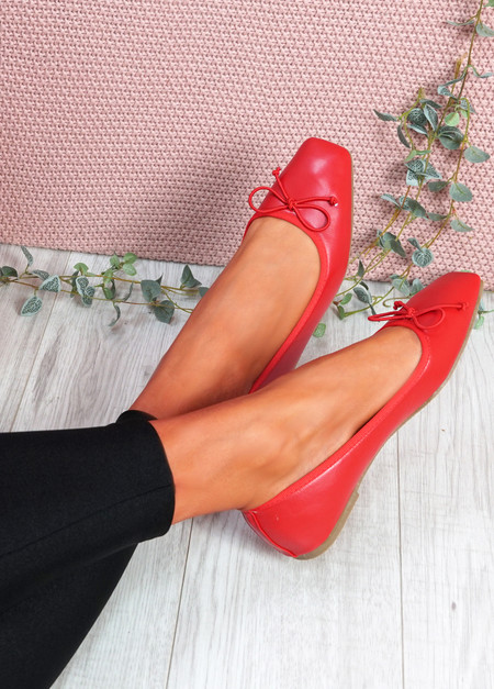 Vonno Red Square Toe Ballerinas