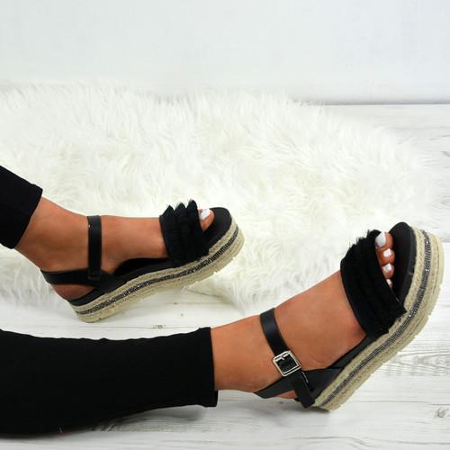 Lya Black Flatform Sandals