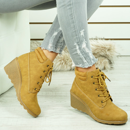 Violin Camel Ankle Boots