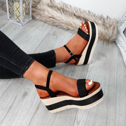 Doffie Black Flatform Sandals