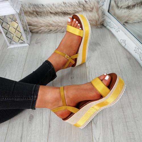 Doffie Yellow Flatform Sandals
