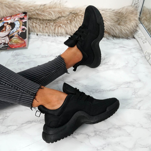 Ciga Black Trainers