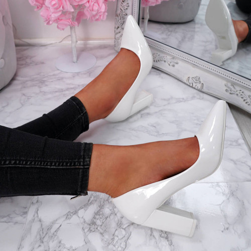 Genda White Court Pumps