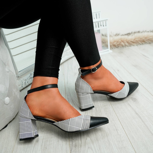Nonna Black Striped Pumps