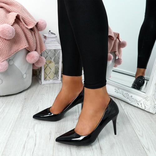 Banny Black Patent Court Pumps