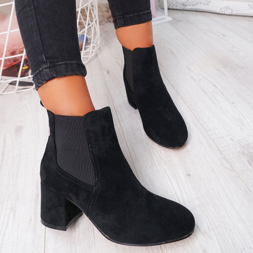 Zenta Black Chelsea Ankle Boots