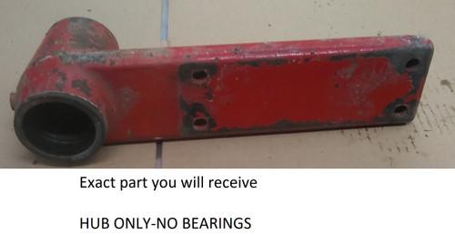 Used IH 860 hay rake right hand axle bracket