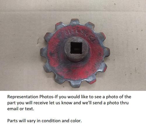 Used IH 10 510 5100 grain drill drive sprocket 815454C1