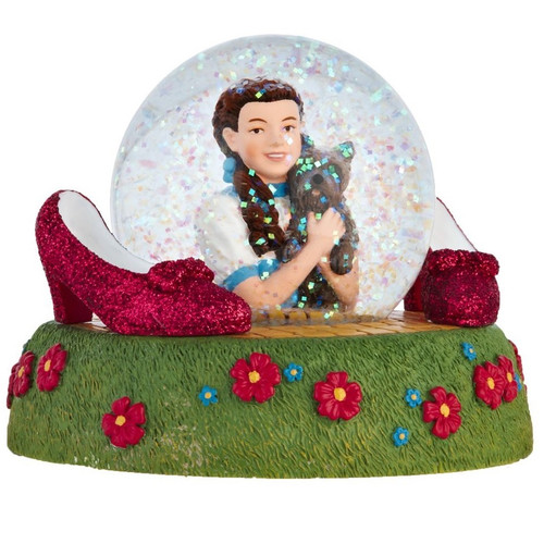 Dorothy and Toto Wizard of Oz Snow Globe