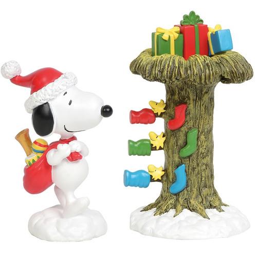 Peanuts Santa Snoopy Delivering Gifts Figure