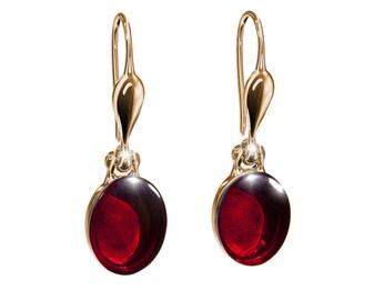 Dainty, minimalist and elegant Cambridge earrings