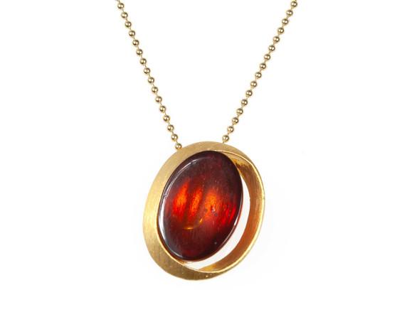 Minimalist Amber Oval Pendant Necklace