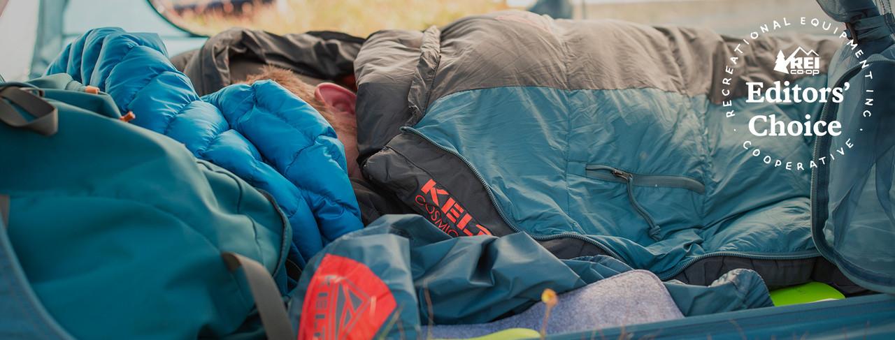 Man in Cosmic 20 sleeping bag