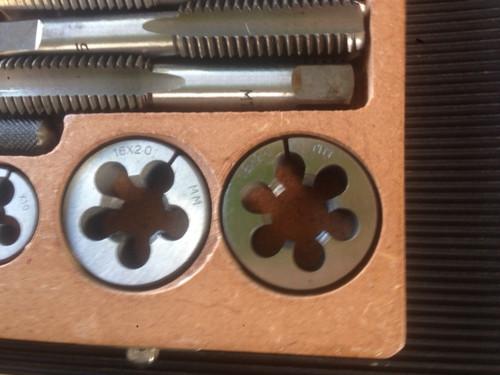 Tap & Die Metric set 6-20MM 8sizes 40pc BOXED