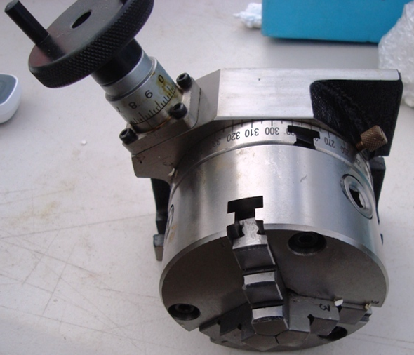 """4""""/ 100mm Rotary Table With Mounted 3 Jaw Chuck"""