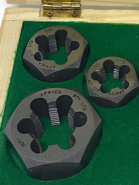 "NPT 6pc Tap and Hex Die set boxed 1/4"" to 1/2"" made from Carbon Steel"