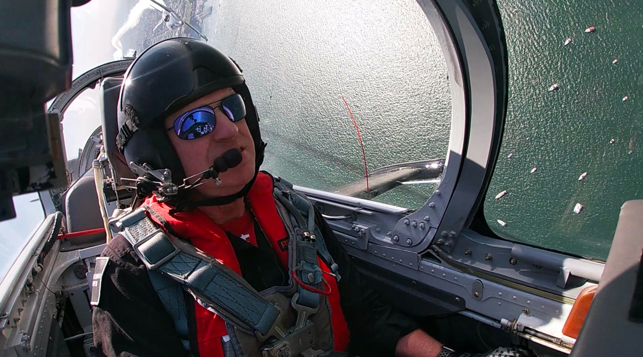 """Meet Scott """"Intake"""" Kartvedt: A solo pilot flying to honor all who serve"""