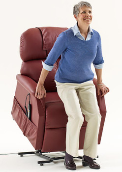PR 505 MAXICOMFORTER LIFT CHAIR BY GOLDEN TECHNOLOGIES