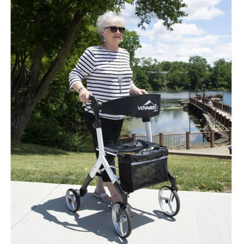 Voyager Rollator Lifestyle image