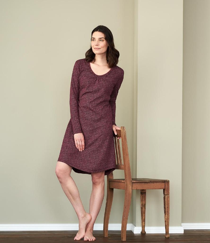 Women Night Dress Color: barolo dots