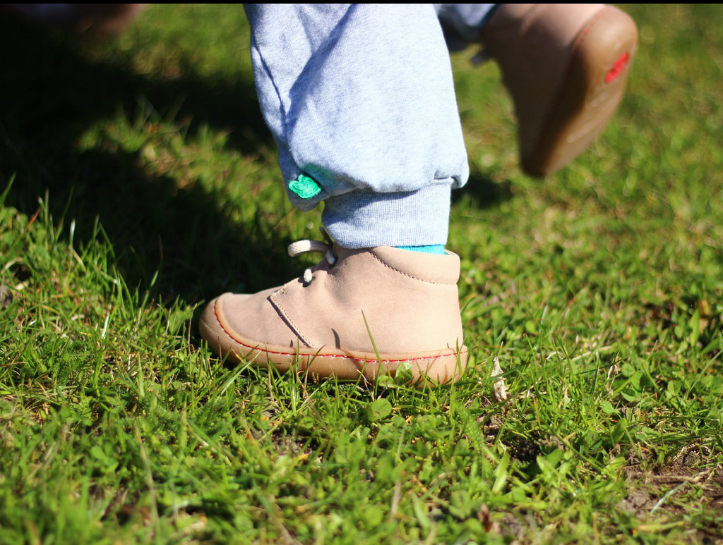 "Natural Leather Children's Shoes - ""JUAN"" Color: Stone"