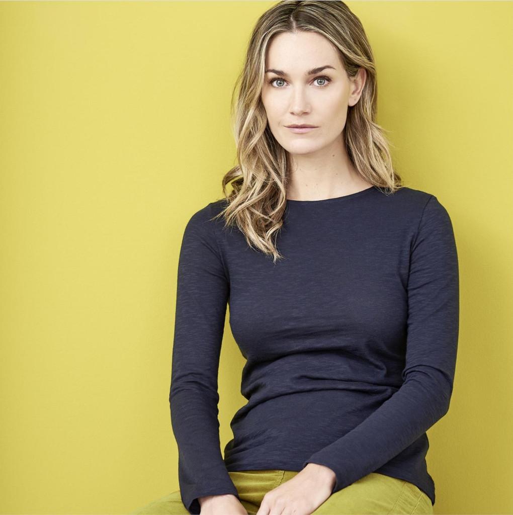 Women's Organic Cotton Long Sleeved Shirt Color: 566 ink blue