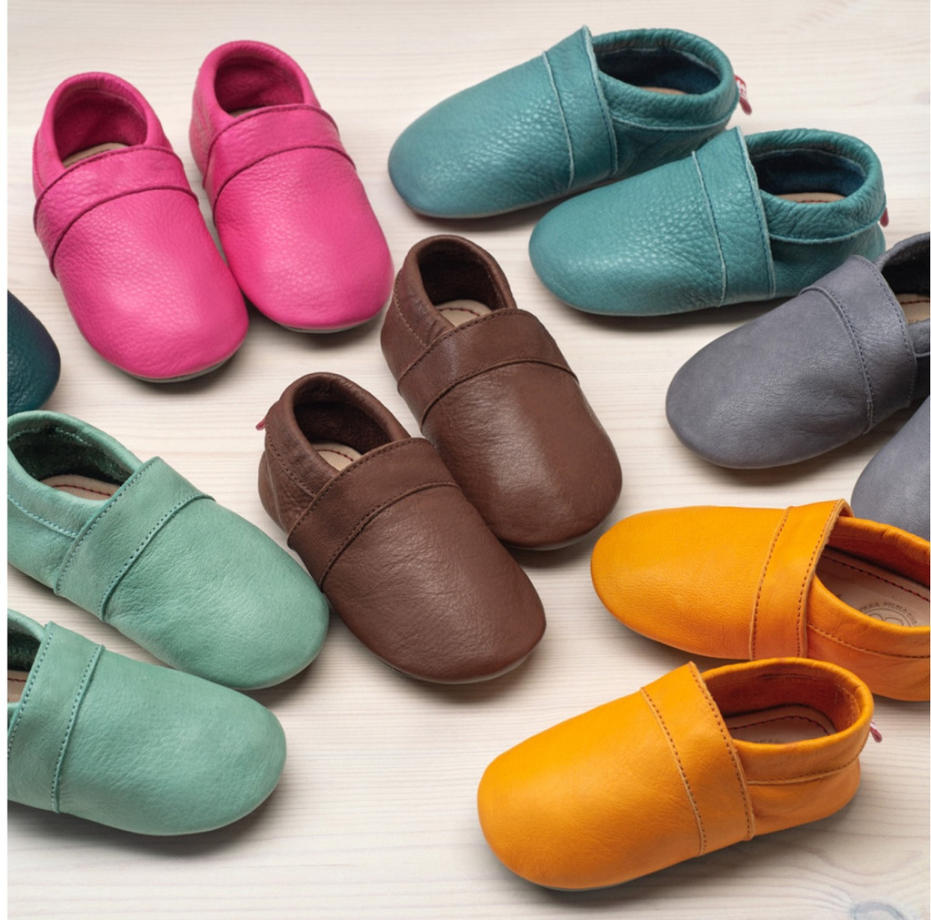 Slippers with insoles