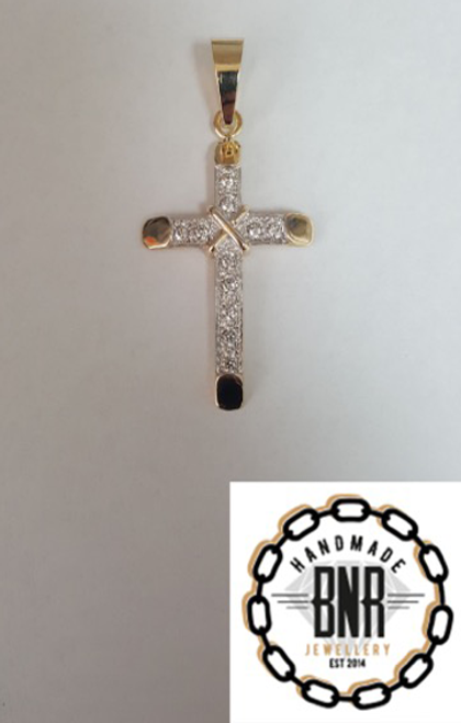 Solid 9ct gold stone set cross pendant 32mm x 44mm  8 grams
