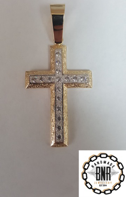 Solid 9ct gold stone set cross pendant 46mm x 57mm 17 grams